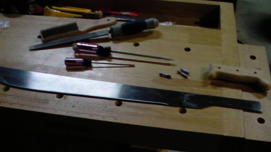 Building A Machete From knifekits.com With Some Hand Filing
